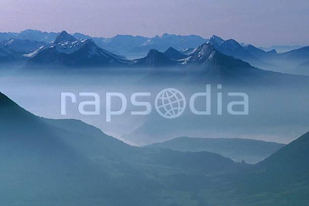 aa0185-15GE charbon, roc des boeufs, bauges, haute-savoie, Europe, EEC, fog, hazy, middle mountain, landscape, Annecy 2018 (France).