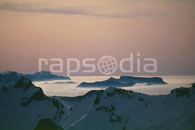 aa0202-08GE Mer de nuages depuis le sommet de la Clusaz, Haute-Savoie, Europe, CEE, ciel voilé, mer de nuages, moyenne montagne, paysage, Annecy 2018 (France).