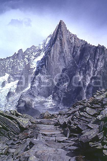 aa0338-30GE aiguilles des drus, massif du mont blanc, haute-savoie, Europe, EEC, cloudy, cliff, middle mountain, landscape, Annecy 2018 (France).