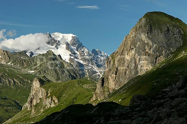 aa041226GE Combe de la Neuva et massif du Mont Blanc, Beaufortain, Savoie, Europe, CEE, moyenne montagne, paysage (France).