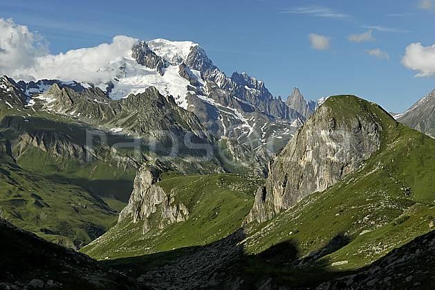 aa041231GE Combe de la Neuva et massif du Mont Blanc, Beaufortain, Savoie, Europe, CEE, moyenne montagne, paysage (France).