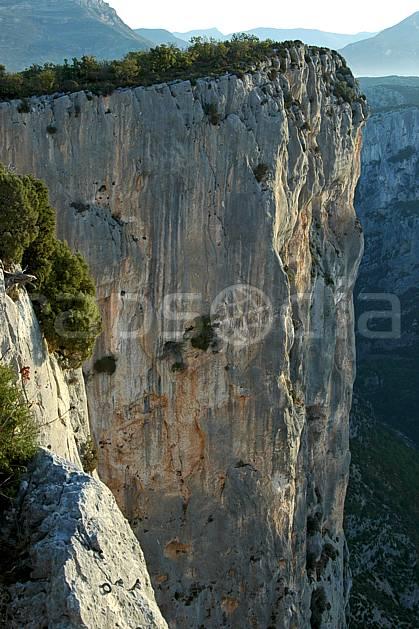 aa042161LE : Gorges du Verdon, Var.  Europe, CEE, falaise, mur, C02, C01 moyenne montagne, paysage (France).