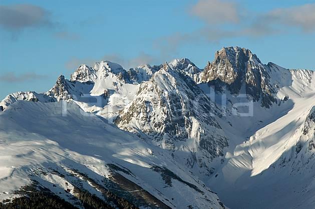 aa043046LE : Depuis La Plagne, Massif du Mont Blanc, Savoie, Alpes.  Europe, CEE, chaine de montagnes, C02, C01, panorama moyenne montagne, paysage (France).