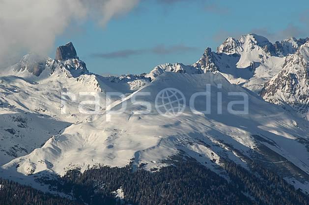 aa043047LE : Depuis La Plagne, Beaufortain, Pierra Menta, Savoie, Alpes.  Europe, CEE, C02, C01, vue aérienne, panorama moyenne montagne, paysage (France).