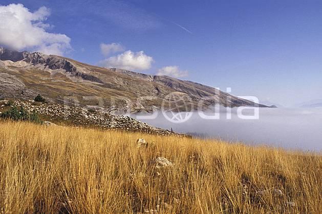 aa0473-38LE royalty free dévoluy, hautes-alpes, alpes, Europe, EEC, fog, blue sky, grass, field, middle mountain, landscape (France).