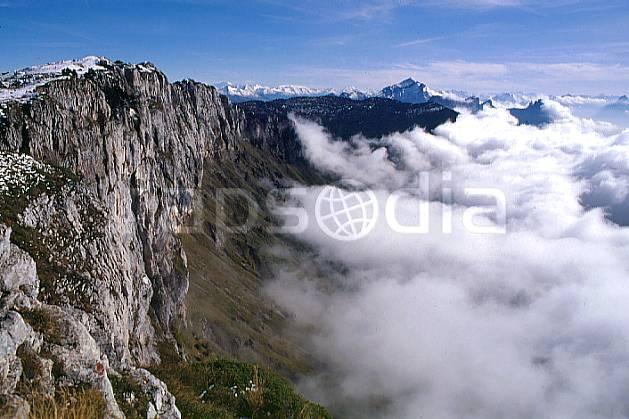 aa0479-23GE falaise du parmelan, haute-savoie, Europe, EEC, hazy, cliff, sea of clouds, middle mountain, cloud, landscape, Annecy 2018 (France).