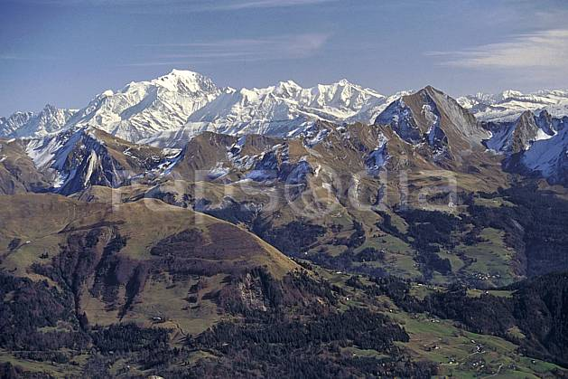 aa0488-35LE royalty free chaine des aravis, mont blanc, haute-savoie, alpes, Europe, EEC, hazy, chain of mountains, valley, middle mountain, landscape, Annecy 2018 (France).