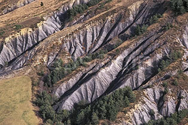 aa0494-29LE : Érosion.  Europe, CEE, vue aérienne, C02, C01 moyenne montagne, paysage (France).