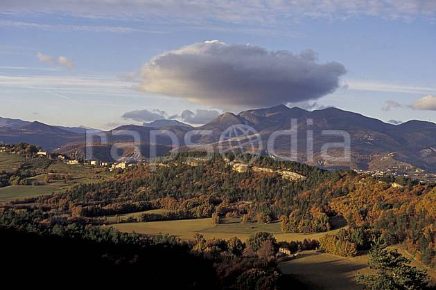 aa0497-03LE : Cumulus, La Chambotte, Savoie, Alpes.  Europe, CEE, C02, C01, vallée, coucher de soleil, falaise forêt, moyenne montagne, nuage, paysage (France).
