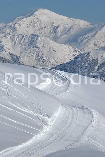 aa050015LE : Depuis les Contamines, le massif du Buet, Haute-Savoie, Alpes.  Europe, CEE, sentier, route, piste, C02, C01, poudreuse, trace moyenne montagne, paysage, Annecy 2018 (France).