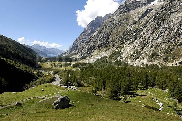 aa055549LE : Val Ferret- Val D'Aoste, Alpes.  Europe, CEE, vallée, C02, C01, falaise moyenne montagne, paysage (Italie).
