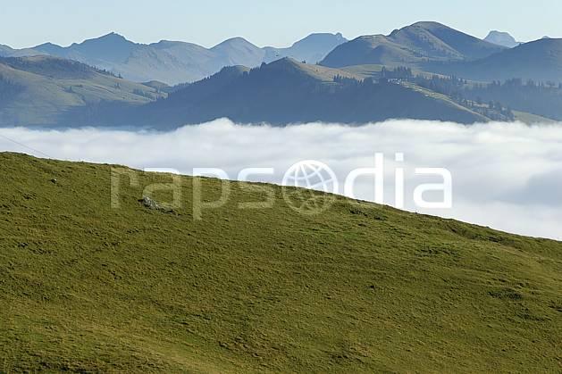 aa055776LE : Alpage, Videmanette, Alpes.  Europe, C02, C01, herbe, alpage, vallée, panorama moyenne montagne, nuage, paysage (Suisse).