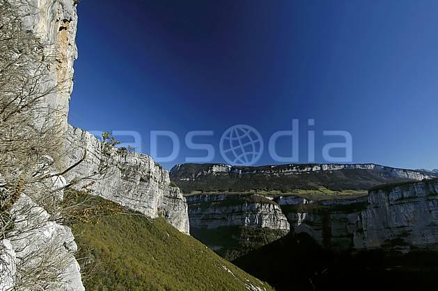 aa055871LE : Vercors, près de Choranche.  Europe, CEE, falaise, C02, C01 moyenne montagne, paysage (France).