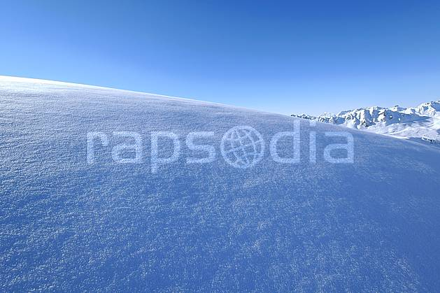 aa060528LE : Champs de neige fraîche, Les Arcs, Savoie, Alpes.  Europe, CEE, poudreuse, C02, C01, pureté moyenne montagne, paysage (France).