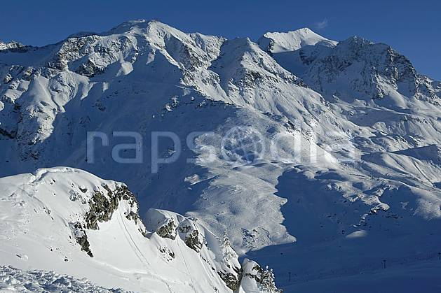 aa060541LE : Les Arcs, Savoie, Alpes.  Europe, CEE, C02, C01, chaine de montagnes, station de ski haute montagne, moyenne montagne, paysage (France).