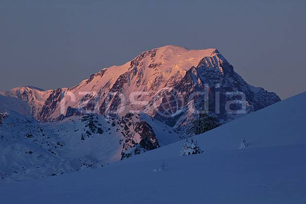 aa060554LE : Les Arcs, vue sur le massif du Mont Blanc, Savoie, Alpes.  Europe, CEE, coucher de soleil, C02, C01 moyenne montagne, paysage, soleil (France).