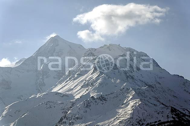 aa060660LE : Face à La Rosière, vue sur le Mont Pourri, Alpes.  Europe, CEE, C02, C01, brouillard, froid moyenne montagne, nuage, paysage (France).