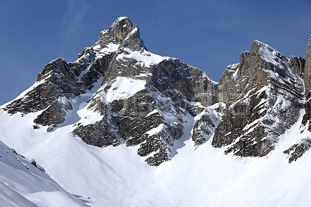 aa060937LE : Pointe Percée, Aravis, Haute-Savoie, Alpes.  Europe, CEE, falaise, C02, C01 moyenne montagne, paysage, Annecy 2018 (France).