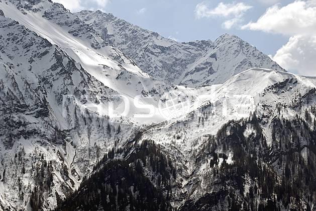 aa061091LE : Mont Lacha au-dessus des Houches, Haute-Savoie, Alpes.  Europe, CEE, C02, C01 forêt, moyenne montagne, paysage, Annecy 2018 (France).