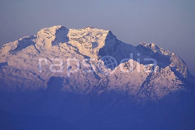 aa0916-25LE : La Tournette, Haute-Savoie, Alpes.  Europe, CEE, ciel voilé, coucher de soleil, C02, C01 moyenne montagne, paysage, Annecy 2018 (France).