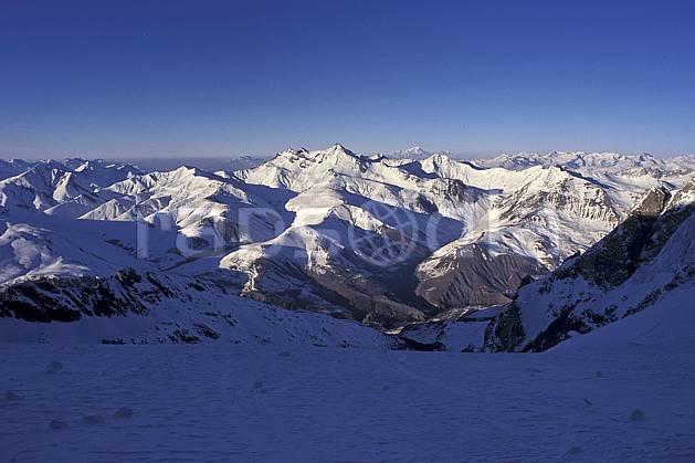 aa0919-33LE : Montagnes en hiver, Alpes.  Europe, CEE, ciel bleu, chaine de montagnes, C02, C01, aurore moyenne montagne, paysage (France).