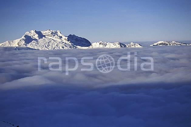 aa1092-04LE : Tournette, Haute-Savoie, Alpes.  Europe, CEE, ciel bleu, espace, mer de nuages, pureté, C02, C01 moyenne montagne, nuage, paysage, Annecy 2018 (France).