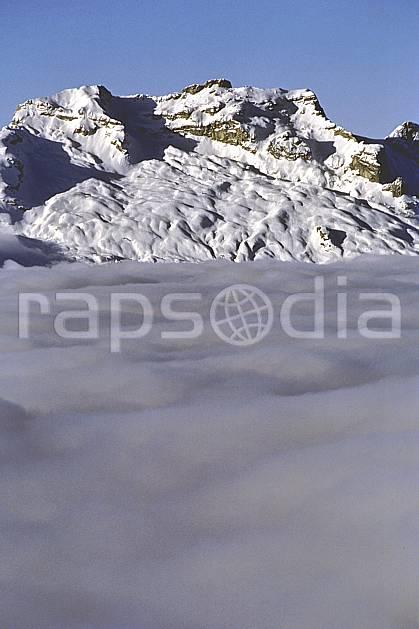 aa1092-12LE : Tournette, Haute-Savoie, Alpes.  Europe, CEE, ciel bleu, espace, mer de nuages, pureté, C02, C01 moyenne montagne, nuage, paysage, Annecy 2018 (France).