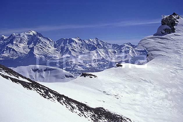 aa1158-01LE : Tête Pelouse, vue sur le Mont Blanc, Haute-Savoie, Alpes.  Europe, CEE, ciel bleu, chaine de montagnes, arête, C02, C01 moyenne montagne, paysage, Annecy 2018 (France).