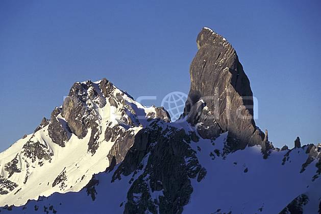 aa1180-14LE : Pierra Menta, Beaufortin, Savoie, Alpes.  Europe, CEE, ciel bleu, pic, C02, C01 moyenne montagne, paysage (France).