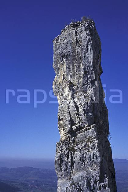 aa1247-23LE : Tours Saint Jacques, Haute-Savoie, Alpes.  Europe, CEE, falaise, pic rocheux, C02, C01 moyenne montagne, paysage, Annecy 2018 (France).