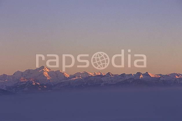 aa1248-23LE : Massif du Mont Blanc depuis le col de la Faucille, Haute-Savoie, Alpes.  Europe, CEE, panorama, chaine de montagnes, coucher de soleil, C02, C01 haute montagne, moyenne montagne, nuage, paysage, soleil, Annecy 2018 (France).
