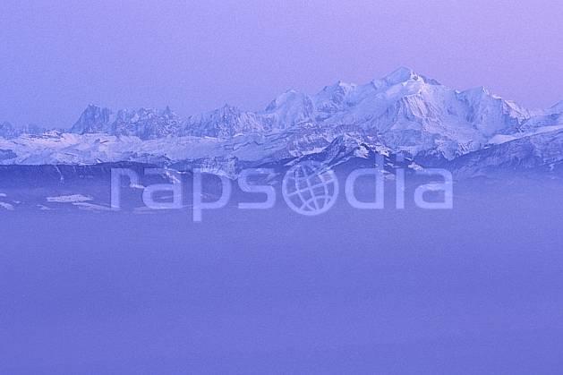 aa1249-25LE : Massif du Mont Blanc depuis le col de la Faucille, Haute-Savoie, Alpes.  Europe, CEE, panorama, chaine de montagnes, brouillard, froid, C02, C01 moyenne montagne, nuage, paysage, Annecy 2018 (France).