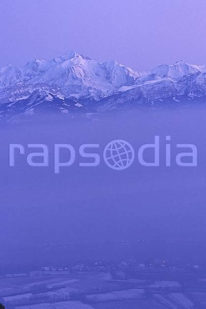 aa1249-27LE : Massif du Mont Blanc depuis le col de la Faucille, Haute-Savoie, Alpes.  Europe, CEE, panorama, chaine de montagnes, brouillard, froid, C02, C01 moyenne montagne, nuage, paysage, Annecy 2018 (France).
