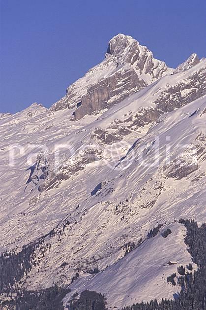 aa2105-03LE : Pointe Percée, Aravis, Haute-Savoie, Alpes.  Europe, CEE, ciel bleu, C02, C01 moyenne montagne, paysage, Annecy 2018 (France).