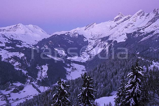 aa2106-15LE : Vallée du Bouchet, Aravis, Haute-Savoie, Alpes.  Europe, CEE, coucher de soleil, sapin, C02, C01 arbre, forêt, moyenne montagne, paysage, Annecy 2018 (France).