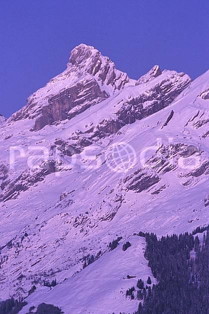 aa2106-30LE : Pointe Percée, Aravis, Haute-Savoie, Alpes.  Europe, CEE, ciel bleu, coucher de soleil, C02, C01 moyenne montagne, paysage, Annecy 2018 (France).