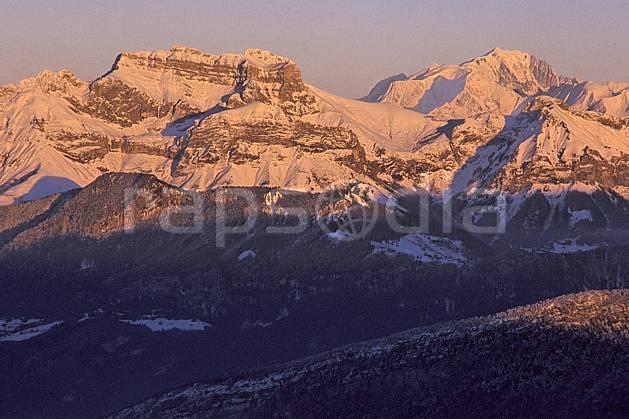 aa2107-18LE : Tournette, Mont Blanc depuis le Semnoz, Haute-Savoie, Alpes.  Europe, CEE, coucher de soleil, C02, C01 moyenne montagne, paysage, Annecy 2018 (France).