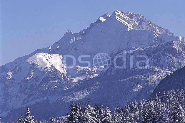 aa2127-01LE : Jallouvre face nord/ouest, Haute-Savoie, Alpes.  Europe, CEE, ciel bleu, sapin, C02, C01 forêt, moyenne montagne, paysage, Annecy 2018 (France).