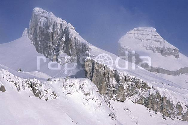 aa2327-29LE : Leysin, Tour d'Aï (gauche) et Tour de Mayen (dte), Alpes.  Europe, barre rocheuse, falaise, C02, C01 moyenne montagne, paysage (Suisse).