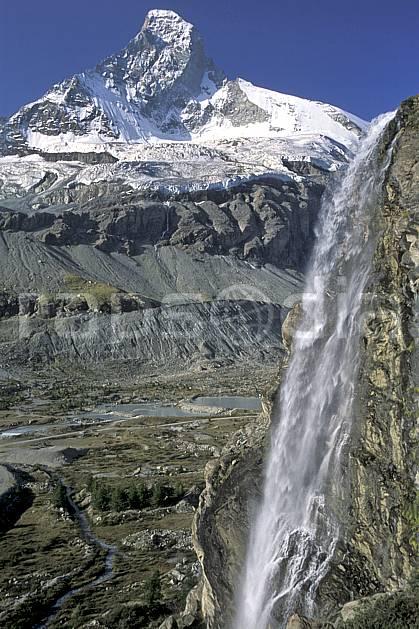 aa2531-24LE : Le Cervin, Alpes.  Europe, ciel bleu, falaise, glacier, C02, C01 cascade, moyenne montagne, paysage (Suisse).