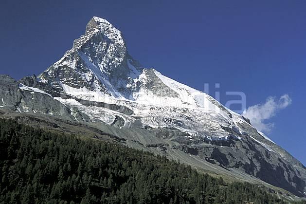 aa2531-30LE : Le Cervin, Alpes.  Europe, ciel bleu, falaise, glacier, C02, C01 arbre, moyenne montagne, paysage (Suisse).