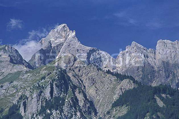 aa2790-11LE : Pointe Percée, Aravis, Haute-Savoie, Alpes.  Europe, CEE, ciel bleu, falaise, panorama, C02, C01 moyenne montagne, paysage, Annecy 2018 (France).