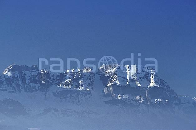 aa3122-16LE : Aravis, Pointe de Bella Cha, Tour d'Areu, Haute-Savoie, Alpes.  Europe, CEE, chaine de montagnes, brouillard, C02, C01 moyenne montagne, paysage, Annecy 2018 (France).