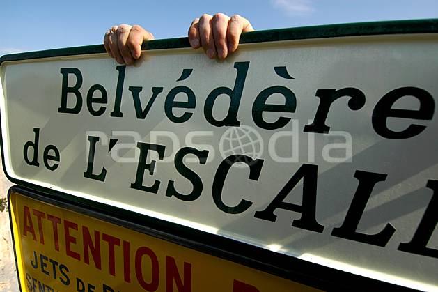 ae042164LE : Belvédère de l'Escalès, Verdon.  Europe, CEE, panneau, signalisation, signalisation, C02, C01 environnement, gros plan, moyenne montagne (France).
