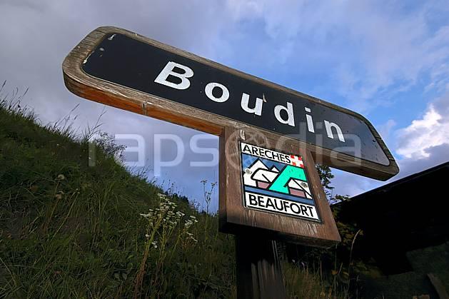ae042754LE : Hameau de Boudin, Beaufortain, Savoie, Alpes.  Europe, CEE, panneau, signalisation, signalisation, C02, C01 environnement, gros plan, moyenne montagne (France).