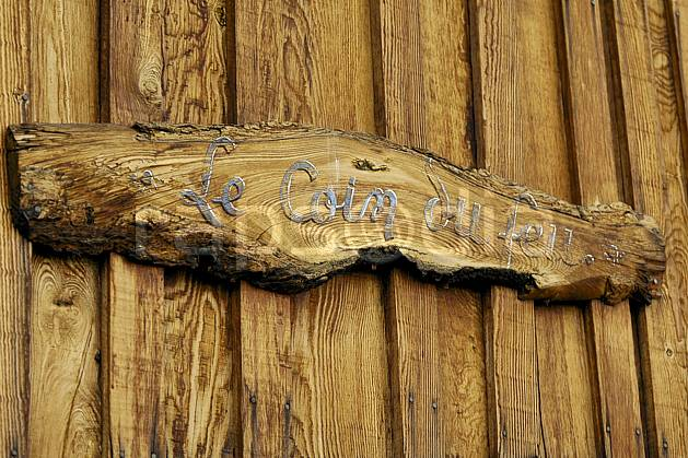 ae055795LE : Croisse Baulet.  Europe, CEE, porte, signalisation, C02, C01 environnement, moyenne montagne (France).