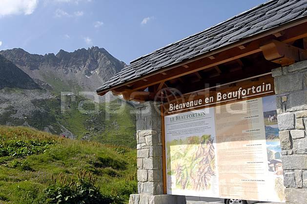 ae062972LE : Cormet de Roselend, Beaufortain, Savoie, Alpes.  Europe, CEE, signalisation, C02, C01 environnement, moyenne montagne, paysage (France).