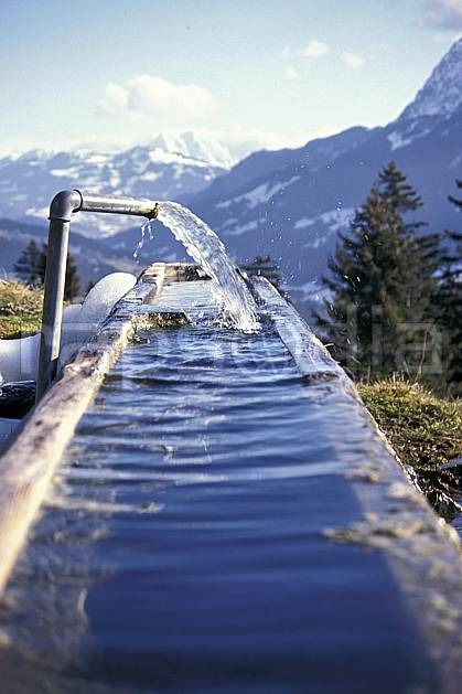 ae0879-34LE : Bassin.  Europe, fontaine, C02, C01 environnement, gros plan, moyenne montagne (Suisse).