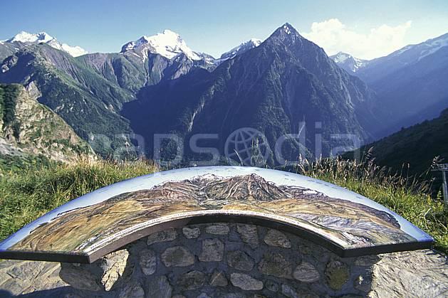 ae1300-27LE : La Muzelle depuis les 2 Alpes, Isère, Alpes.  Europe, CEE, ciel bleu, panorama, C02, C01 environnement, moyenne montagne, paysage (France).