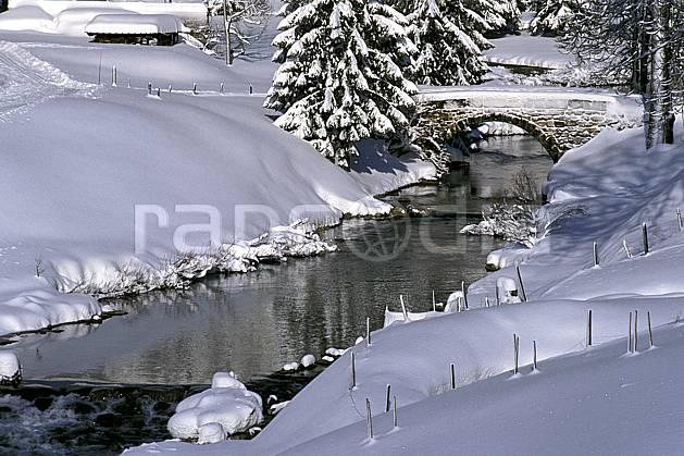 ae2334-07LE : La Valserine, Lelex, Ain, Alpes.  Europe, CEE, pont, C02, C01 environnement, moyenne montagne, rivière (France).